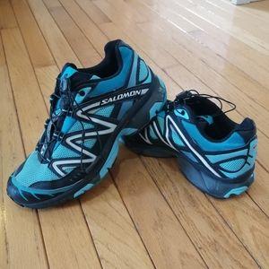Size 8 Women's Salomon Running Shoes